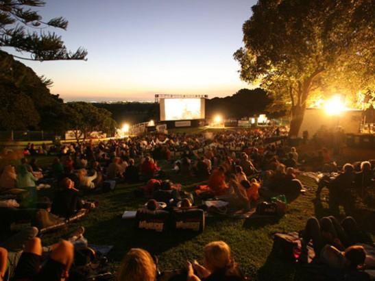 fresh-air-cinema courtesy of cefalangley.wordpress.com